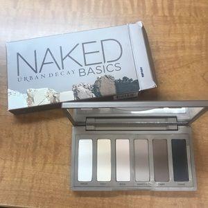 Urban Decay Naked Basics Eyeshadow Palette BNIB